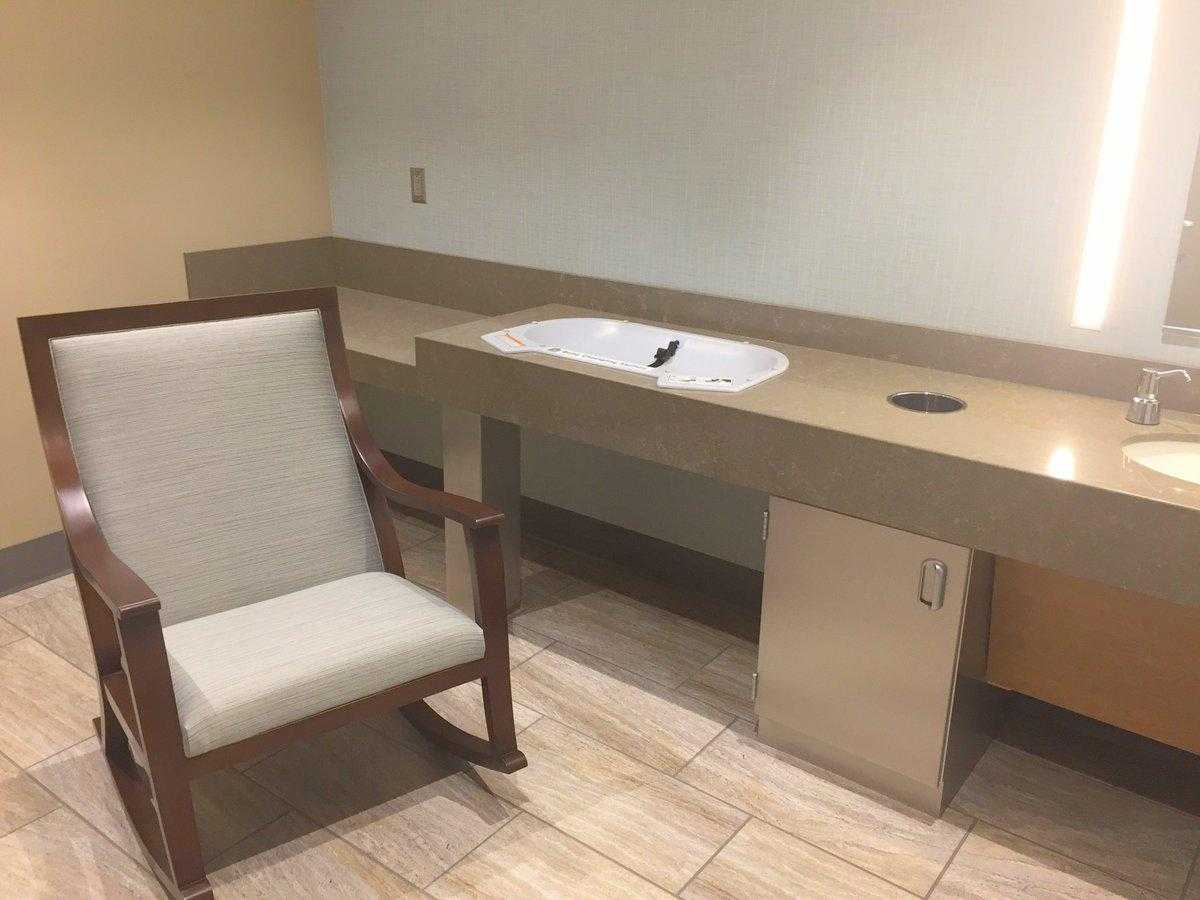Photo og Norfolk International Airport's mothers lactation room