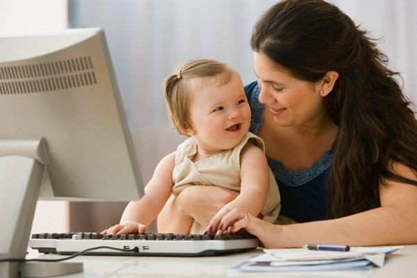 How Employers Can Help Breastfeeding Mothers