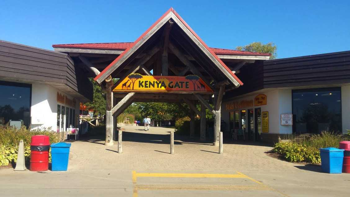 Photo of front entrance of African Lion safari cambridge ontario