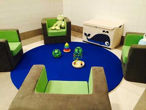 lime ridge mall hamilton ontario canada breastfeeding nursing mothers room pic1