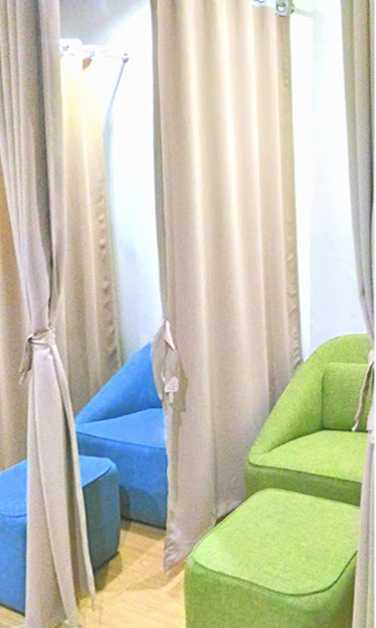 mactan cebu international airport phillipines nursing mothers room couch ottoman2