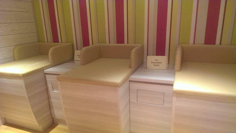 bhg bugis junction singapore breastfeeding nursing room baby chinging table