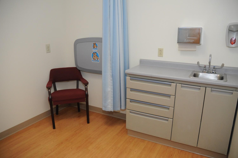 Photo of Jamaica Hospital Queens NY lactation room.