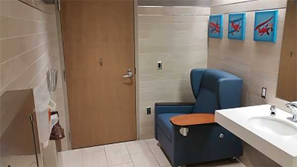 la crosse regional airport wisconsin breastfeeding nursing mothers lactation room pic2